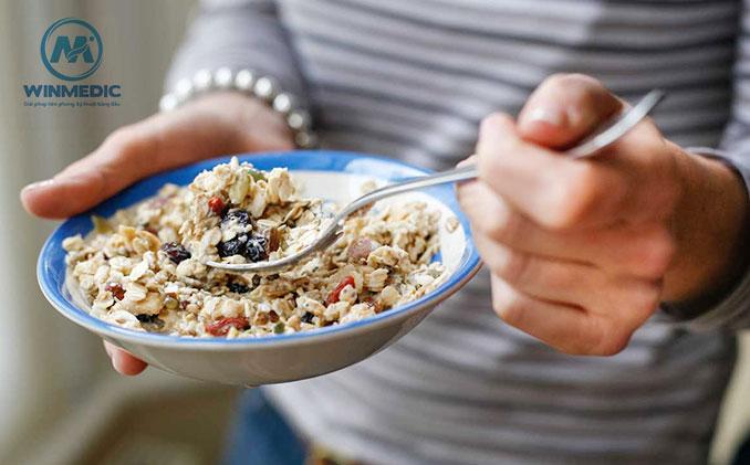 chế độ ăn uống phục hồi chức năng sau đột quỵ