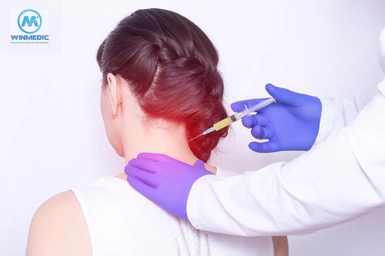 Điều trị thoát vị đĩa đệm cột sống cổ bằng thuốc tiêm